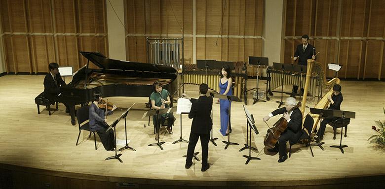 2003_Orchestra+Singer